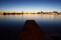 San Antonio Bay i Ibiza, Spanien vid skymning fotografering för bildbyråer
