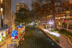 San Antonio River Walk alla notte, il Texas, U.S.A. fotografie stock