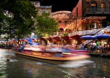 San Antonio Riverwalk τη νύχτα Στοκ Εικόνα