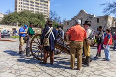 SAN ANTONIO, TEXAS - MARCH 2, 2018 - Men dressed as 19th century soldiers participate in the reenactment of the Battle of the Alam Royalty Free Stock Photography