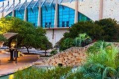 SAN ANTONIO, TEXAS - 10. NOVEMBER 2017: Der Henry B GonzÃ-¡ lez Convention Center ist die Stadt von San Antonio-` s Konferenzzent Lizenzfreie Stockfotos