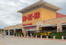 SAN ANTONIO, TEXAS - NOVEMBER 9, 2018 - Entrance of the HEB Supermarket store. H-E-B is an American privately held supermarket. Chain based in San Antonio royalty free stock photos