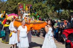SAN ANTONIO, TEXAS, USA - 29. Oktober 2017 - Leute tanzen in lizenzfreie stockbilder