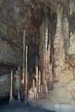 San Antonio, TX/USA - cerca do fevereiro de 2016: Estalagmites em cavernas naturais da ponte perto de San Antonio, Texas Imagem de Stock