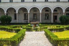 San Benedetto Po - claustro de la abadía Imagen de archivo