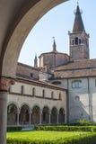 San Benedetto Po - Cloister av abbeyen Arkivbilder