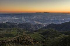 San Bernardino på solnedgångtid royaltyfri foto