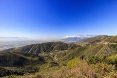 San Bernardino in zonsondergangtijd stock afbeeldingen