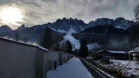 San Candido Italië 02 25 2018 kenmerkend dorp tussen de valleien van de bergen van Zuid-Tirol Stock Afbeeldingen
