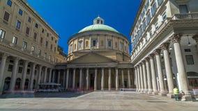 San Carlo al Corso timelapsehyperlapse är enklassiker kyrka i mitten av Milan arkivfilmer
