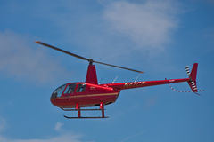 SAN CARLOS, CA - 19 JUNI: Raaf II van de helikopter R44 Stock Afbeelding