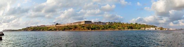 San Carlos de la Cabana Fort royaltyfria bilder