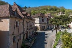 San Cirq Lapopie nel dipartimento del lotto, villaggio francese fotografia stock libera da diritti