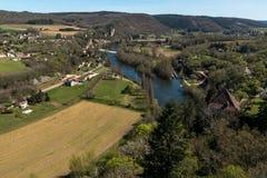 San Cirq Lapopie nel dipartimento del lotto, villaggio francese immagini stock libere da diritti
