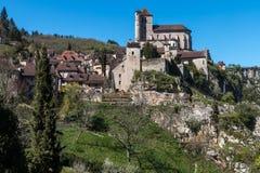 San Cirq Lapopie nel dipartimento del lotto, villaggio francese fotografie stock libere da diritti