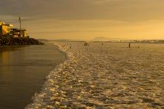 Sonnenuntergang auf Pazifikküste von Ecuador Lizenzfreies Stockfoto