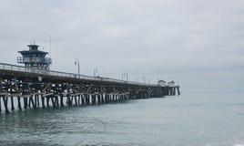 San Clemente Pier på en mulen dag Arkivbild