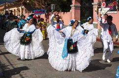 SAN CRISTOBAL DE LAS CASAS, MEXICO, 13 DECEMBER 2015: Mensen dan Royalty-vrije Stock Afbeelding