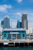 San Diego-Bucht, die Dock von Broadway-Pier zeigt Lizenzfreie Stockfotografie