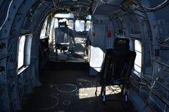 San Diego, Califórnia - EUA - dezembro 04,2016 - museu intermediário de USS do helicóptero do interior imagem de stock