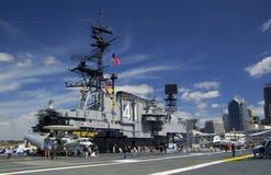 SAN DIEGO, Californië, de V.S. - 13 Maart, 2016: USS Centraal in de haven van San Diego, de V.S. stock fotografie