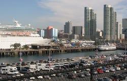 San Diego, California - barco de cruceros Foto de archivo