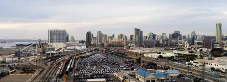 San Diego California Downtown City Skyline incluyendo yarda del puerto y del ferrocarril fotografía de archivo libre de regalías