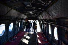 San Diego, California - los E.E.U.U. - DEC 04,2016 - interior del helicóptero 46 de la marina de guerra Foto de archivo