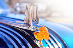 SAN-DIEGO, CALIFORNIA, USA - SEPTEMBER 08: pontiac hood ornament Stock Photos