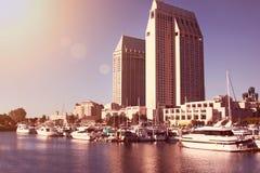 San Diego hamn under aftonsunen Arkivfoton