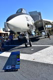 San Diego, Kalifornia Dec 04,2016 - USS F-14 Tomcat Midway wojownik - usa - zdjęcia stock