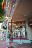 SAN DIEGO, LA CALIFORNIE - 13 JUILLET 2017 : les affaires locales sont soutenantes et étant prêtes pour le LGBT annuel Pride Fest Photo libre de droits