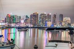 SAN DIEGO, LIPIEC - 29, 2017: Nocy linia horyzontu San Diego od miasta Fotografia Royalty Free