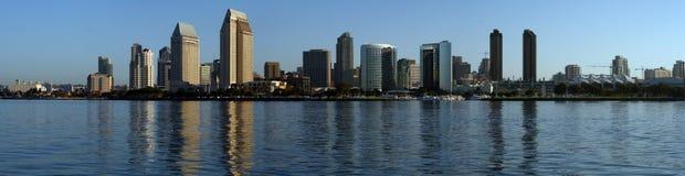 San Diego - Morgen-Skyline panoramisch Stockfotografie