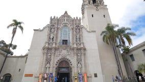 San Diego Museum des hommes en parc historique de Balboa banque de vidéos