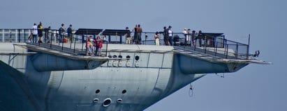 SAN DIEGO, opinión intermediaria de la cola de CA - de USS Imagen de archivo libre de regalías