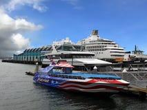 San Diego, porto de Embarcadero dos navios de cruzeiros imagem de stock