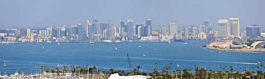 San Diego-Skylinepanorama von der Point Loma-Insel Kalifornien. Lizenzfreie Stockfotos