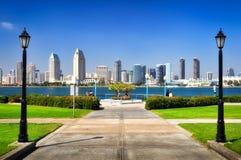 San Diego stadssikt från parken Arkivbild