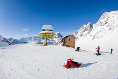 San Domenico, Varzo, Alpes, Italie, arrivée du chairl de remonte-pente images libres de droits