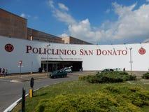 San Donato Milanese - ingång till sjukhuset Royaltyfri Bild