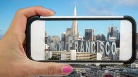 San escénico Francisco Through un teléfono