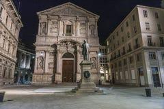 San Fedele Square i Milan arkivfoton