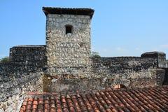 San Felipe Castle op de kusten van Rio Dulce Guatemala stock foto