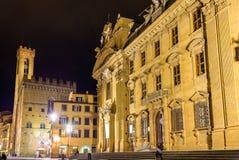 San Firenze komplex på natten arkivbild