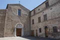 SAN Firmano Macerata, Ιταλία: ιστορική εκκλησία στοκ εικόνες
