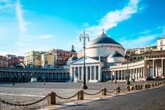 San Francesco di Paola, Plebiscito fyrkant i Naples Royaltyfria Bilder