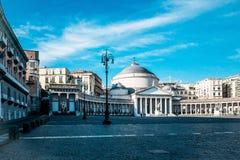 San Francesco Di Paola, Plebiscito kwadrat w Naples Zdjęcia Royalty Free