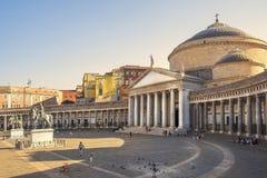 San Francesco Paola su Piazza del Plebiscito, Napoli, Italia immagine stock libera da diritti