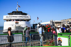 San Francisco Alcatraz Cruises Passengers Boarding Royalty Free Stock Photos